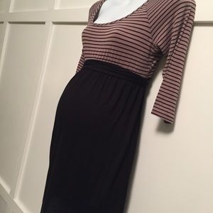 Dresses & Skirts - Maternity dress size medium